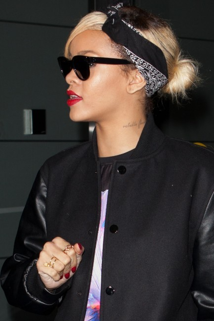 Rihanna à l'aéroport JFK à New York, le 18 mars 2012.