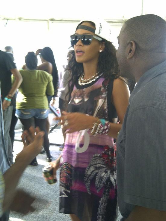 Rihanna fait la fête à la Barbade le 31 juillet 2012