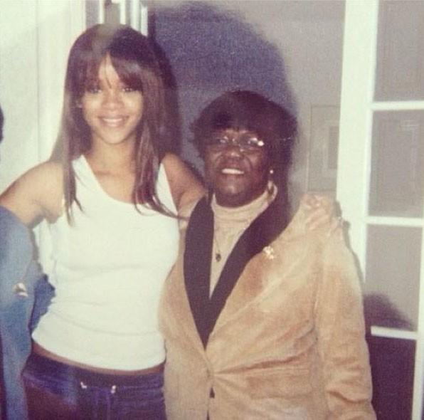 Rihanna rend hommage à sa grand-mère ...