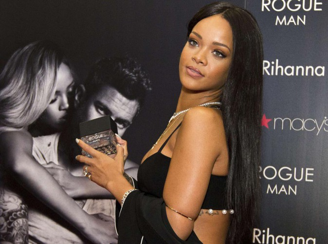Rihanna : elle retrouve toute sa splendeur pour la promotion de son nouveau parfum !