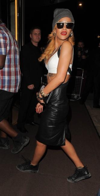 Rihanna de retour à son hôtel à Londres, le 14 juillet 2013.