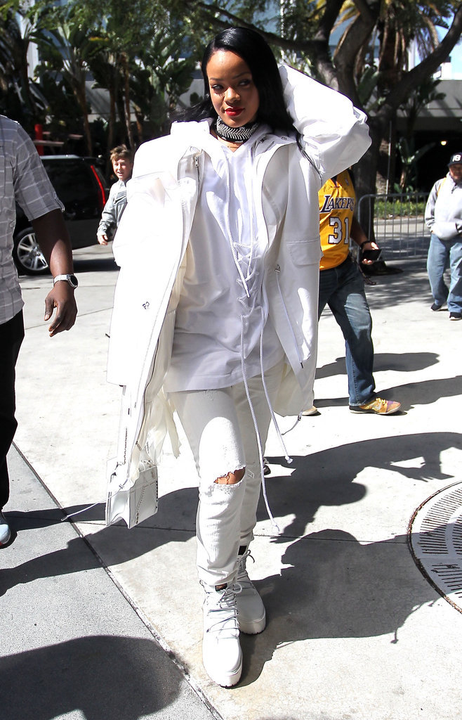 Rihanna en total look blanc