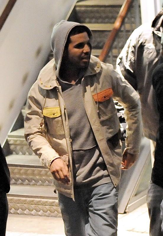 Drake à la sortie du Cirque le Soir Club à Londres, le 10 mars 2014.