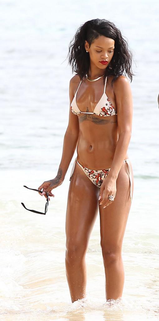 Rihanna à la Barbade le 6 novembre 2013