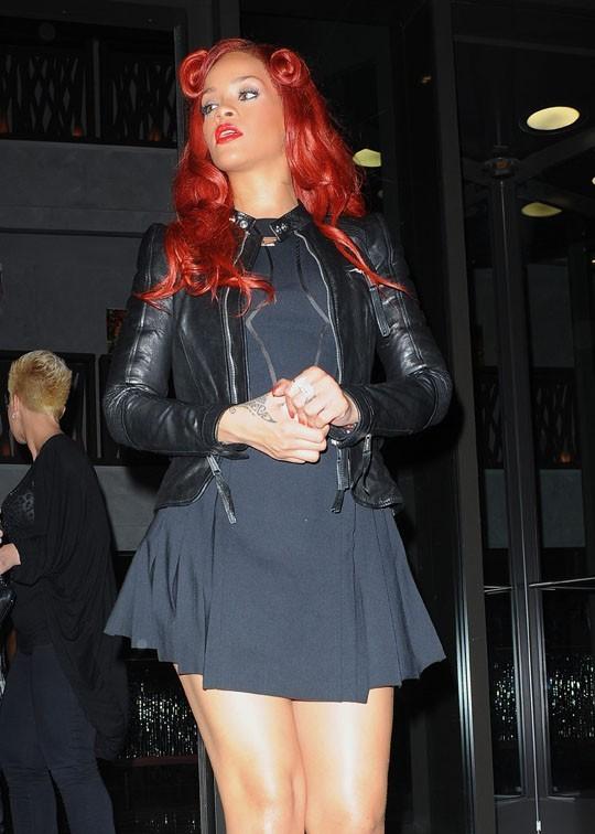 Rihanna à la sortie de son hôtel de New-York !