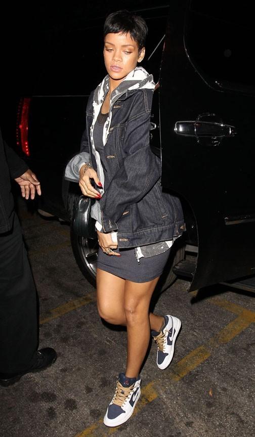 Rihanna à son arrivée au restaurant Girgio Baldi de Santa Monica le 11 octobre 2012