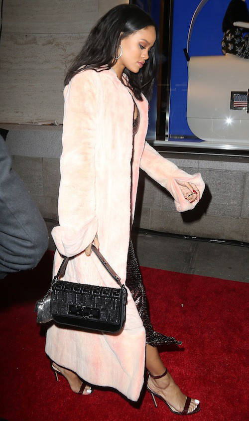 Photos : Rihanna, Jourdan Dunn, Hailey Baldwin : beautés d'hiver pour Fendi !