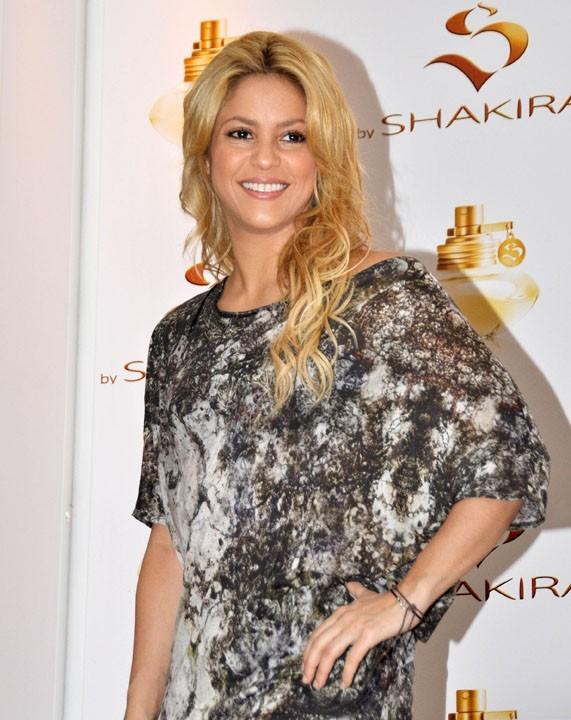 Shakira, très investie dans l'humanitaire, a bien sûr accepté de participer