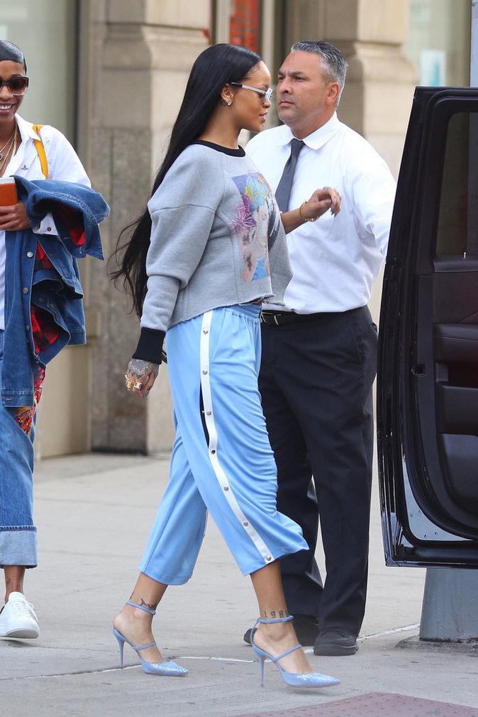 Photos : Rihanna : L'amour lui donnes des ailes !: www.public.fr/News/Photos/Photos-Rihanna-L-amour-lui-donnes-des...