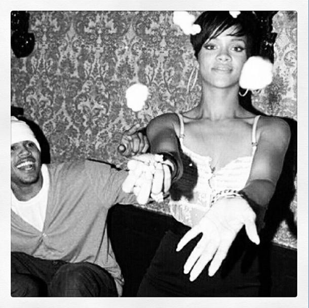 Rihanna le jour de ses 20 ans. Lors de l'anniversaire surprise, Chris Brown était déjà de la partie !