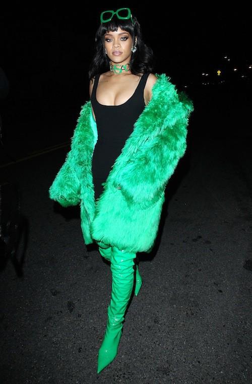 Photos : Rihanna : look fou, show dément, elle chante Bitch Better Have My Money en live pour la première fois !