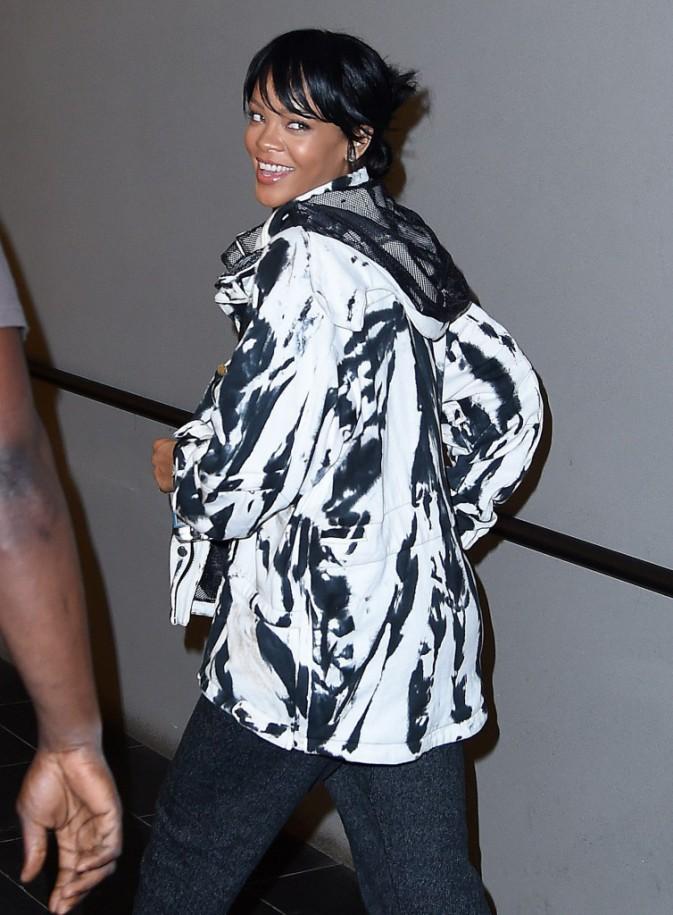 Photos : Rihanna : ouf, elle a retrouvé le sourire !