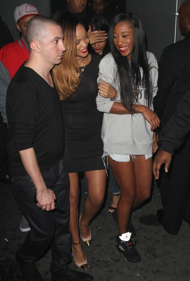 Rihanna à la sortie du Playhouse Nightclub d'Hollywood le 24 janvier 2013