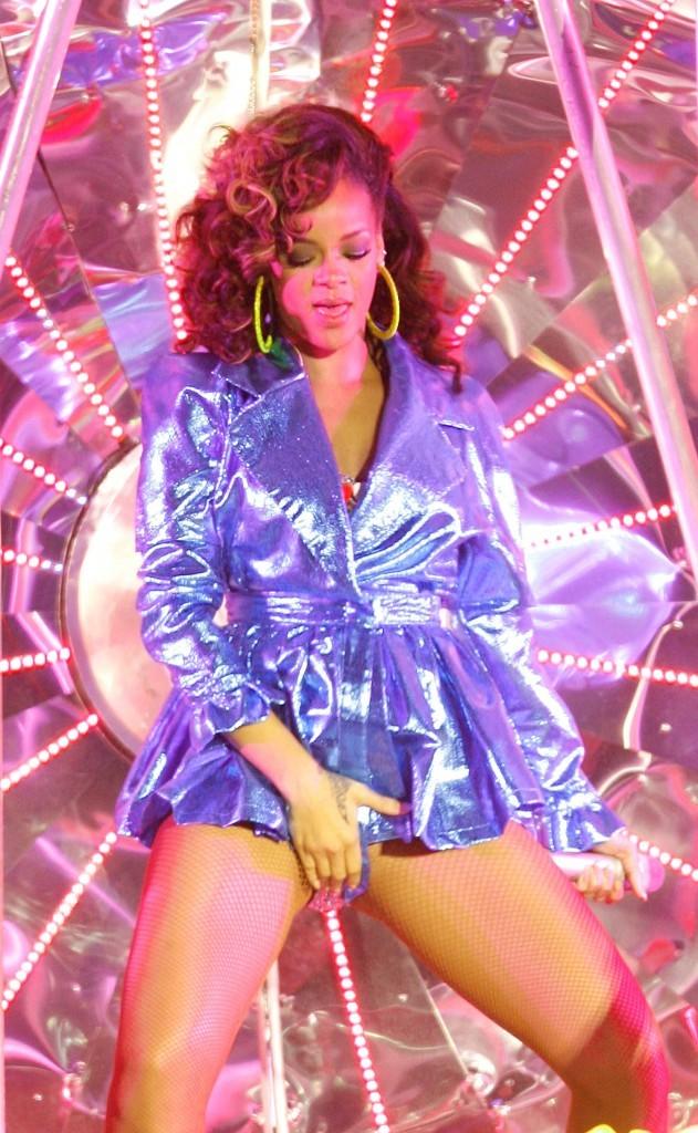 Rihanna en concert à Londres, le 5 octobre 2011.