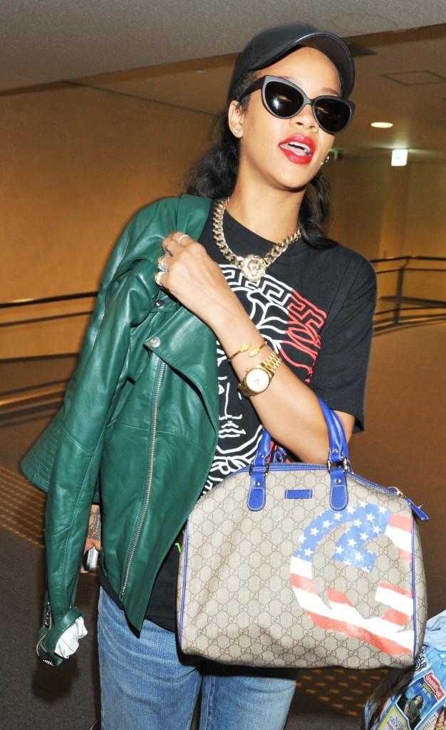 Rihanna, aéroport de Tokyo, 16 aout 2012.