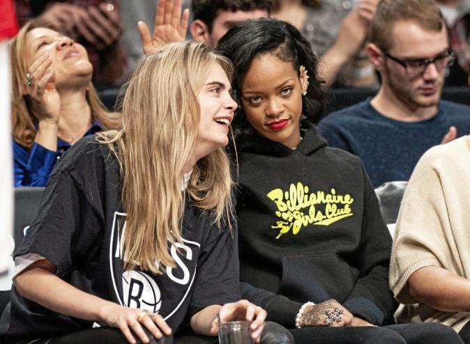 Quand on aime la mode, quoi de mieux que de demander des conseils à sa cops Cara ?