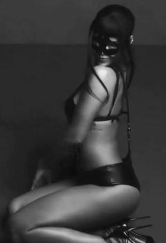Photos : Rihanna : sexy pour Harper's Bazaar, féline pour la Une animée d'AnOther Magazine !