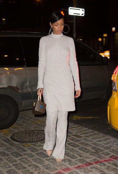 Photos : Rihanna : sobriété exigée pour l'anniversaire de son grand-père !