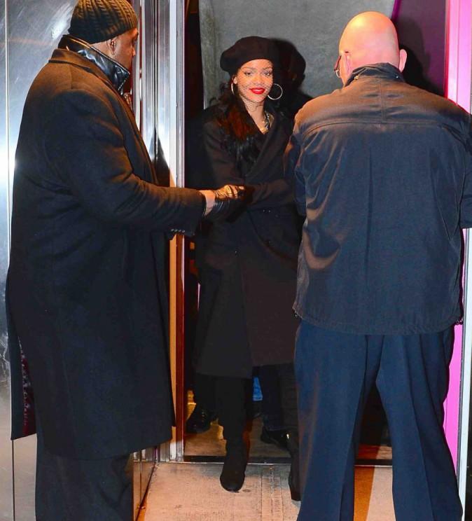 Rihanna : sourire retrouvé, elle resplendit et accapare toute l'attention au Miyake Mugler House Ball !