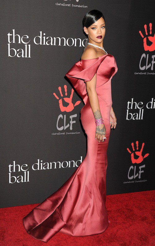 Photos : Rihanna : sublime et en famille pour son premier Diamond Ball !