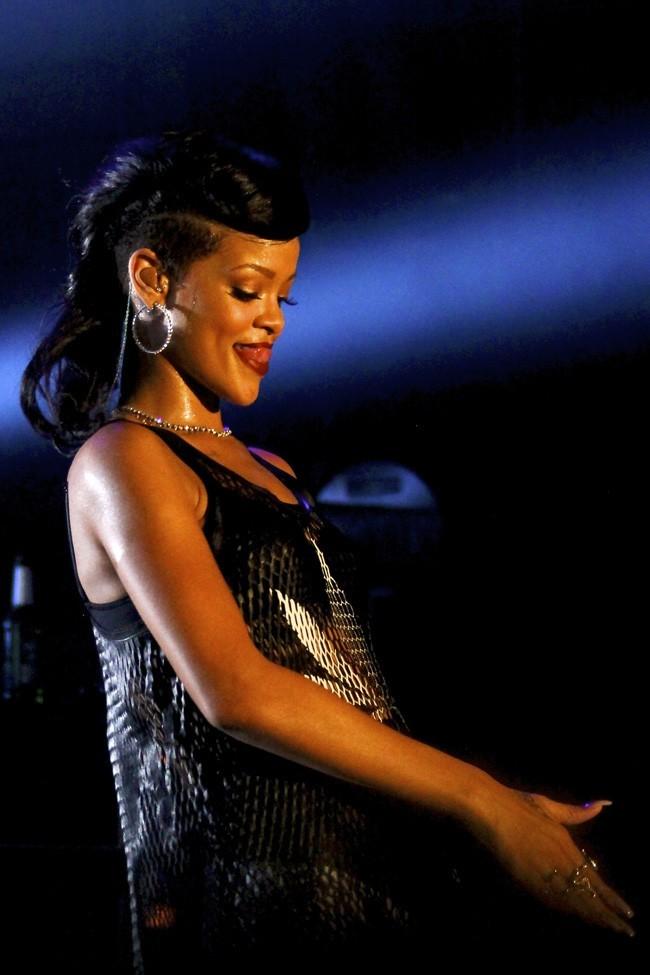 Rihanna en concert à Berlin pour son 777 Tour le 18 novembre 2012