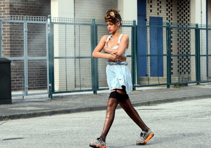 Rihanna sur le tournage de son clip We Found Love en Irlande, le 27 septembre 2011.