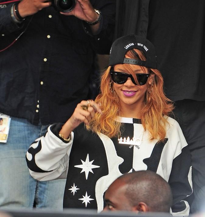 Rihanna, très streetwear à Amsterdam