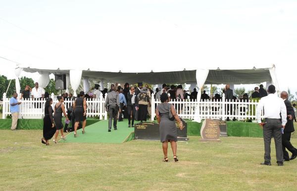Enterrement de la grand-mère de Rihanna à la Barbade, le 10 juillet 2012.