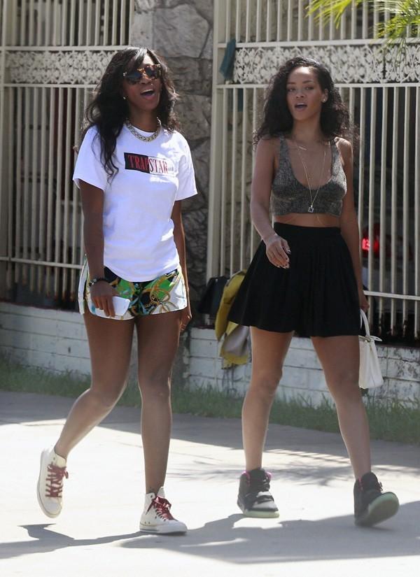 Rihanna en sénace shopping dans le West Hollywood le 24 août 2012