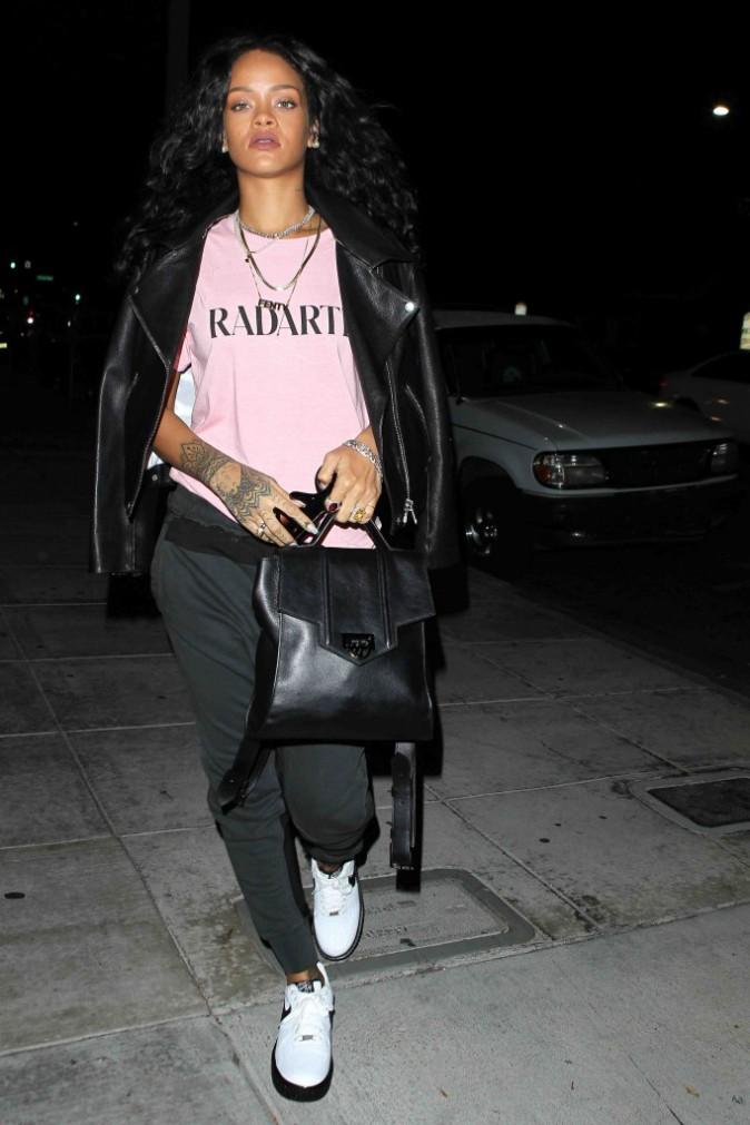 Rihanna : une envie de sushis mais toujours pas de sourire à l'horizon !
