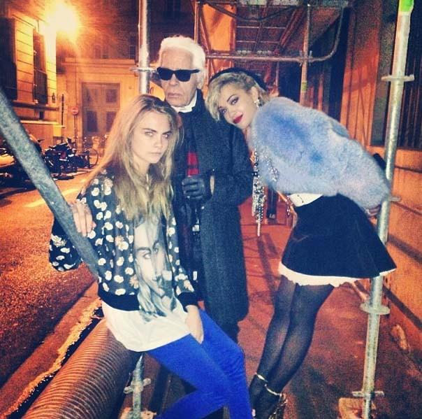 Rita Ora en shooting à Paris avec Karl Lagerfeld !