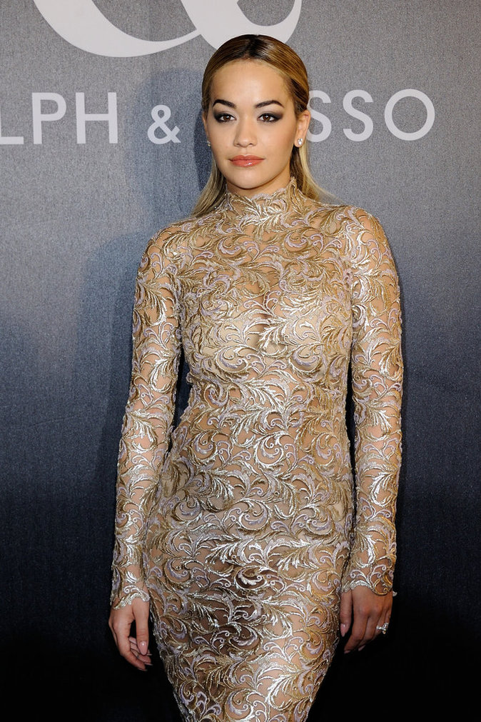 Photos : Rita Ora à Paris : elle ose la transparence à la Fashion Week !