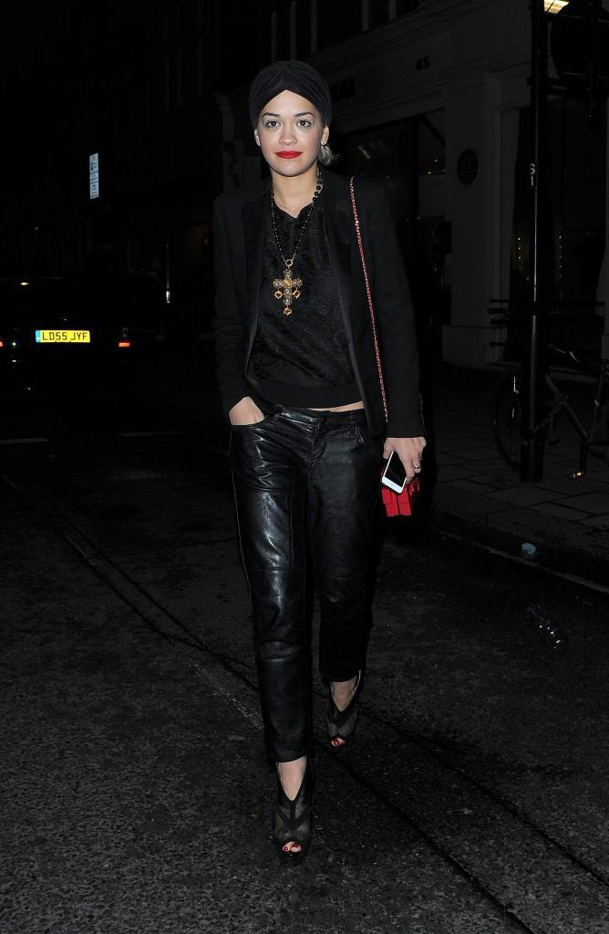 Rita Ora à Londres, le 27 novembre 2013.