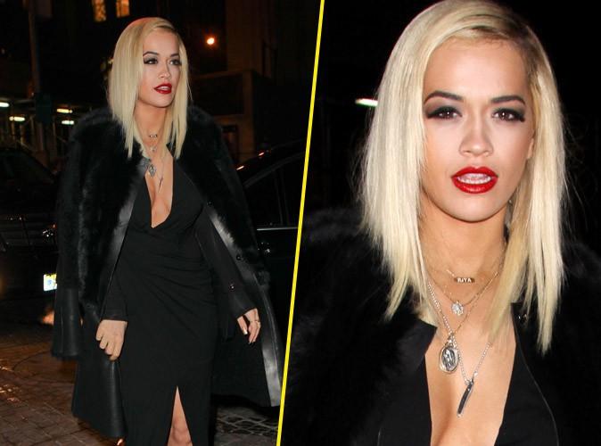 Rita Ora : décolleté ravageur, regard de braise... Elle fait grimper la température à la Fashion Week de New-York !
