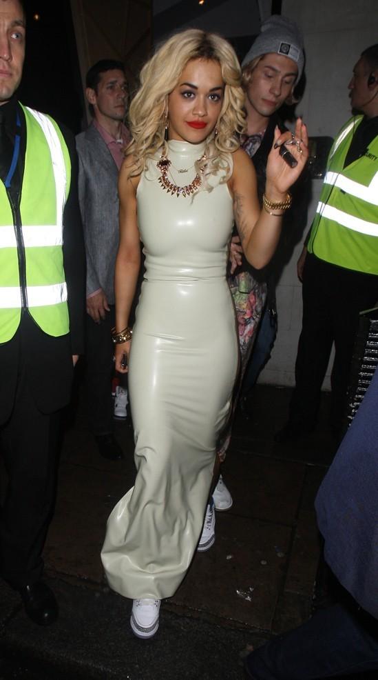 Rita Ora a fait la fête à Londres le 8 juillet 2012