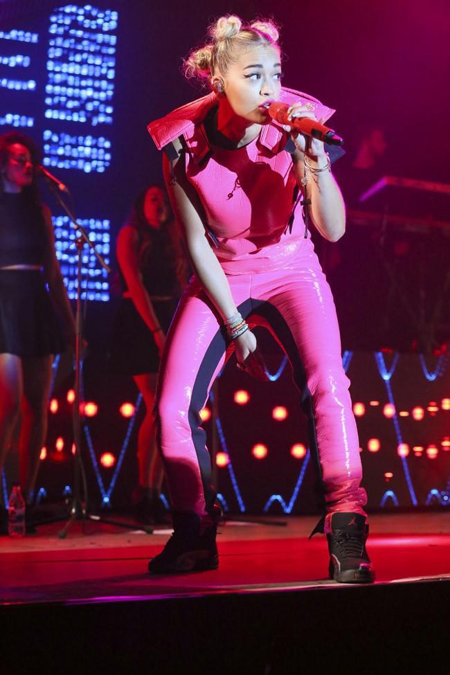 Rita Ora au festival de Global Gathering le 26 juillet 2013