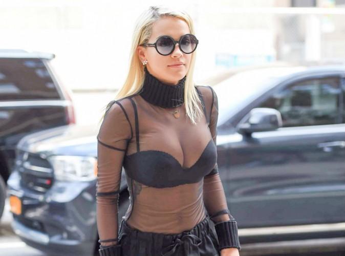 """Rita Ora sort l'artillerie lourde pour la promotion de """"Body On Me"""" !"""