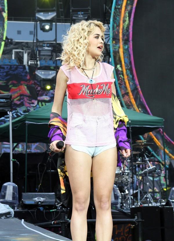 Rita Ora en concert à Manchester le 10 juin 2012
