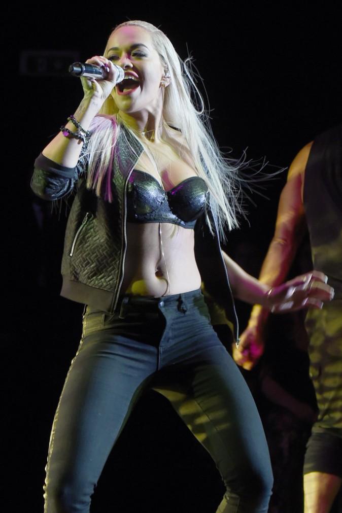 Rita Ora en concert en Italie