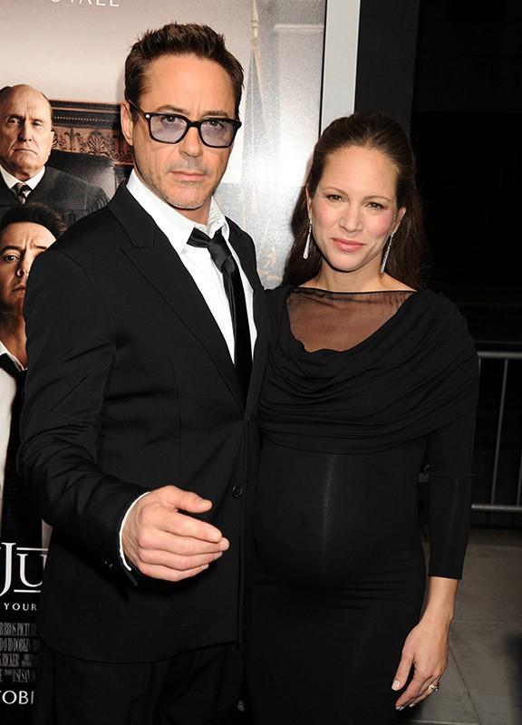 Robert Downey Jr. et Dax Shepard : soutenus par un concours de ventres ronds sur tapis rouge !
