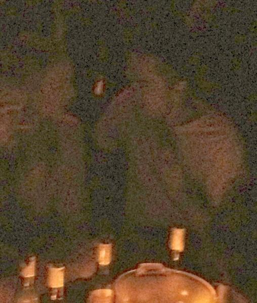 Robert Pattinson et une mystérieuse blonde lors d'une récente soirée à New York...