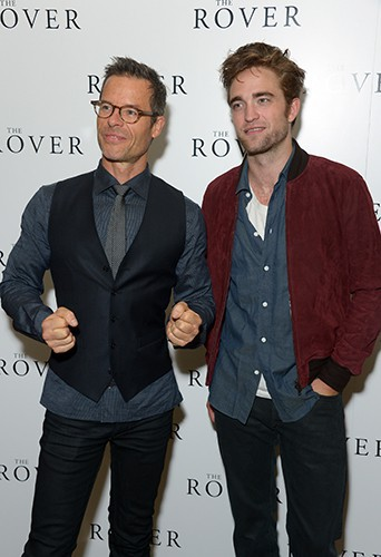 Guy Pierce et Robert Pattinson à Londres le 6 août 2014