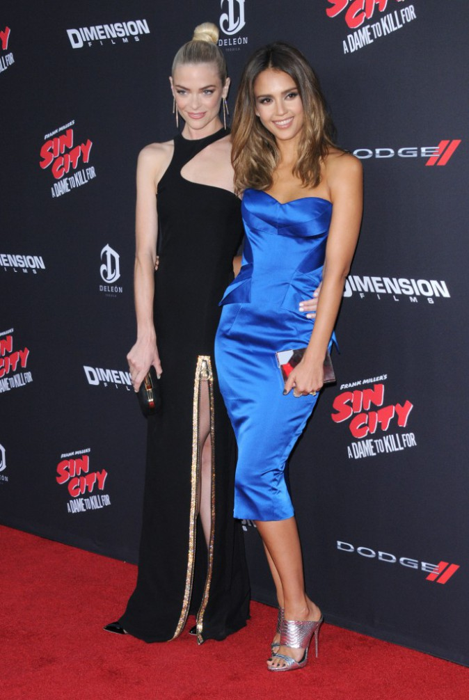 Jaime King et Jessica Alba sur le tapis rouge de l'avant-première de Sin City 2, à Los Angeles, le 19 août 2014 !