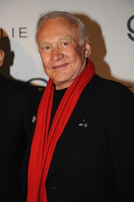 Buzz Aldrin au défilé Elie Saab à Paris, le 7 mars 2012.