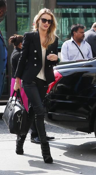 Rosie Huntington-Whiteley à Paris, le 27 septembre 2013.