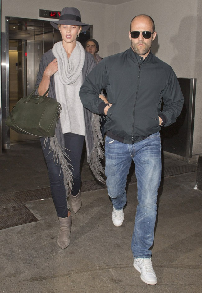 Rosie Huntington-Whiteley et Jason Statham à l'aéroport de Los Angeles le 9 janvier 2014