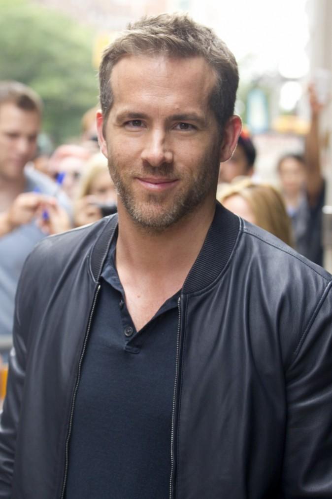 """Ryan Reynolds : Parler de sa fille sur les réseaux sociaux ? """"C'est ennuyant"""" !"""