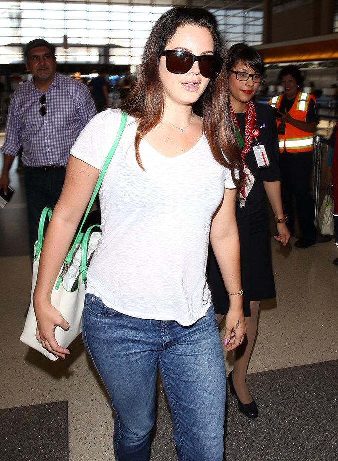 Les lunettes de soleil comme Lana Del Rey