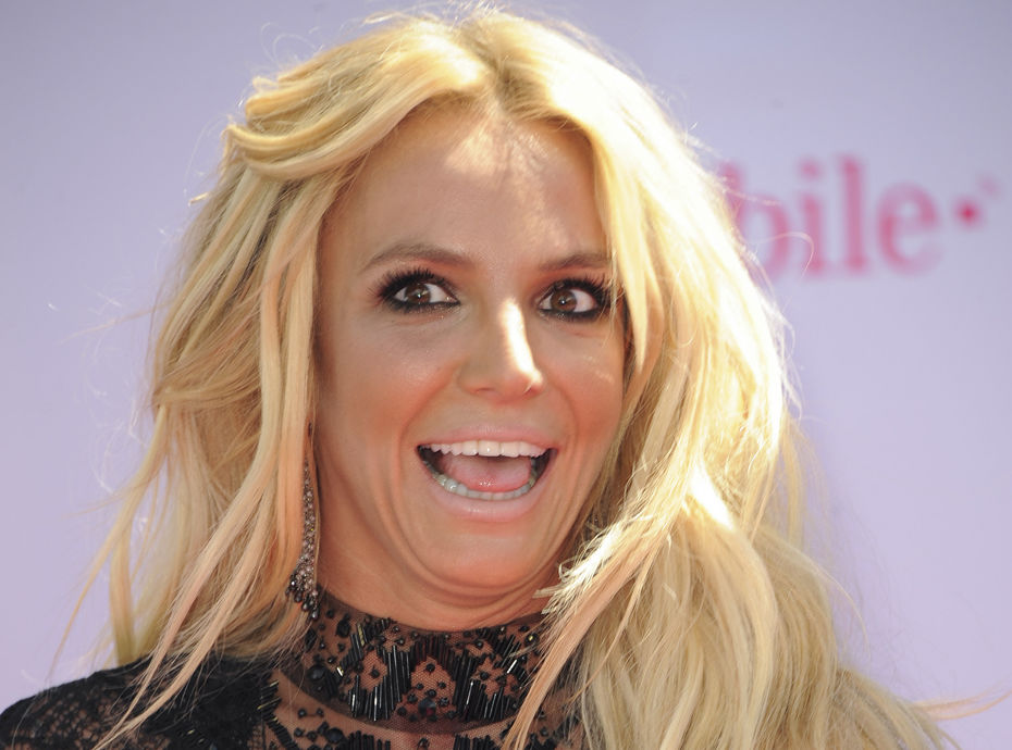 Sam Asghari : le mec de Britney Spears dévoile ses bijoux de famille... et affole la Toile !
