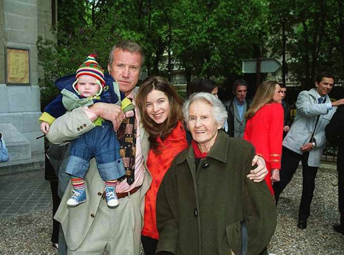 Samantha Rénier avec son père, ses demi-frères Jules et Oscar et son fils Elvis !